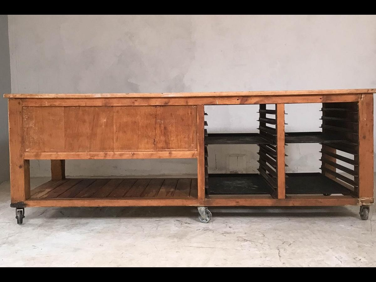 20th Century Pine and Sycamore Bakers Table Kitchen Island Table Centrepiece