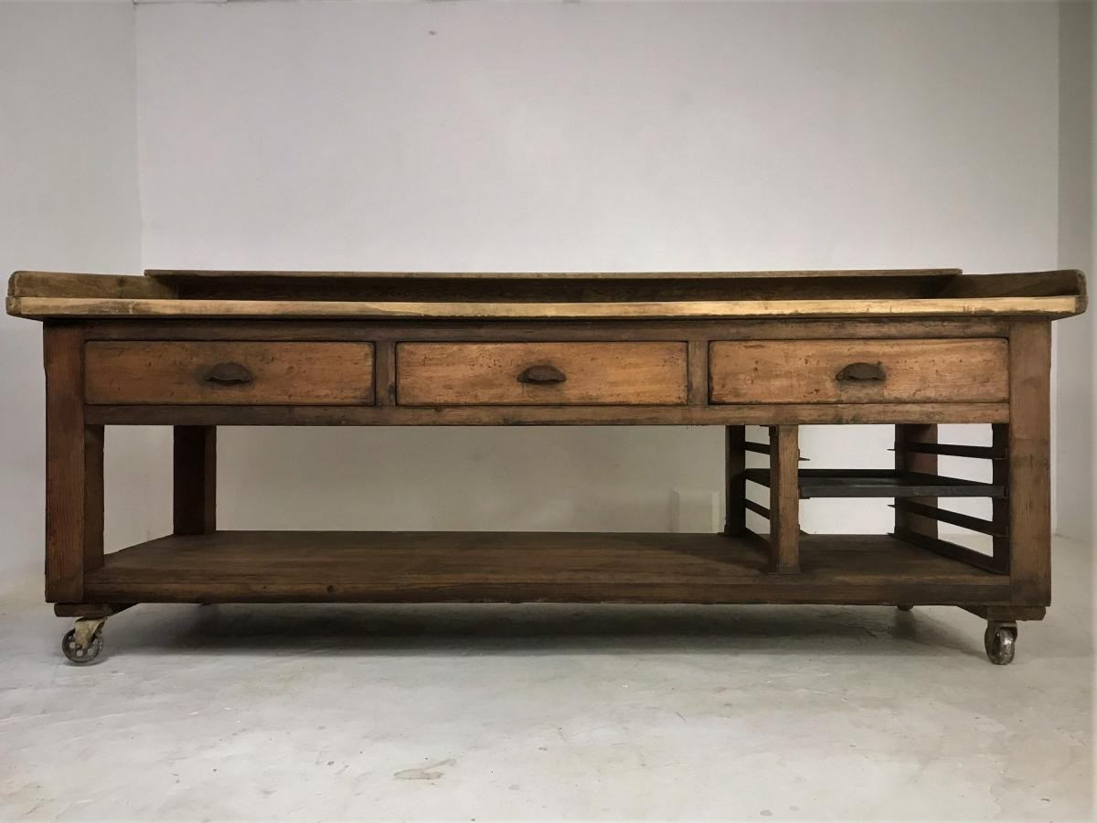 20th Century Pine and Sycamore Bakers Table Kitchen Island
